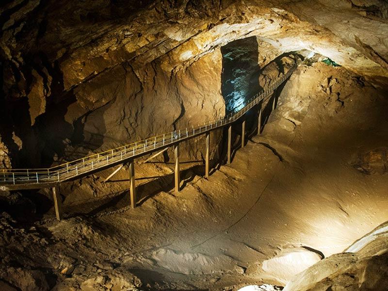 Абхазия. Пещера в Новом Афоне