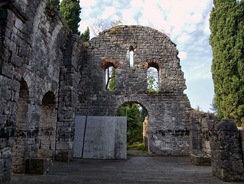 Абхазия. Храм Цандрыпша