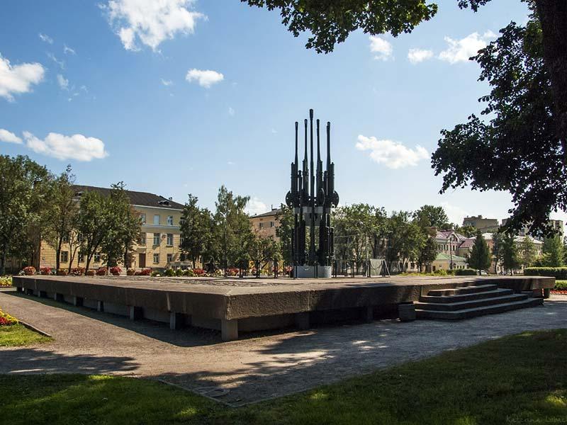 Псков. Мемориал 30-летию освобождения Пскова