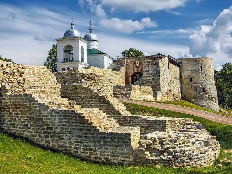 Псков. Изборская крепость