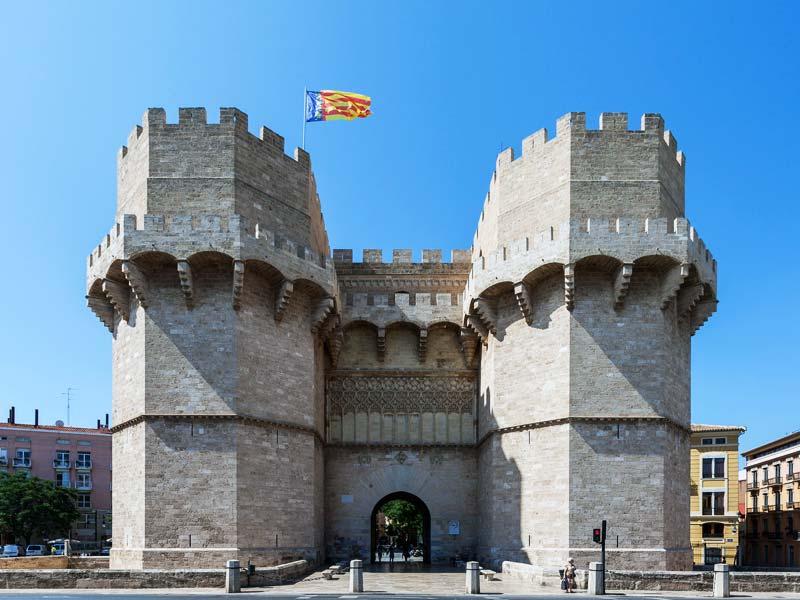 Валенсия. Ворота Торрес-де-Серранос