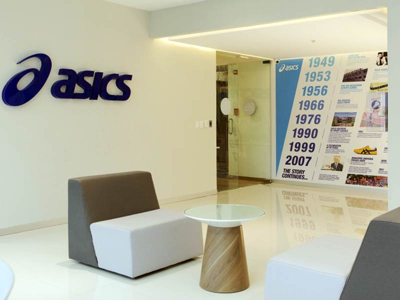 ASICS: офис компании