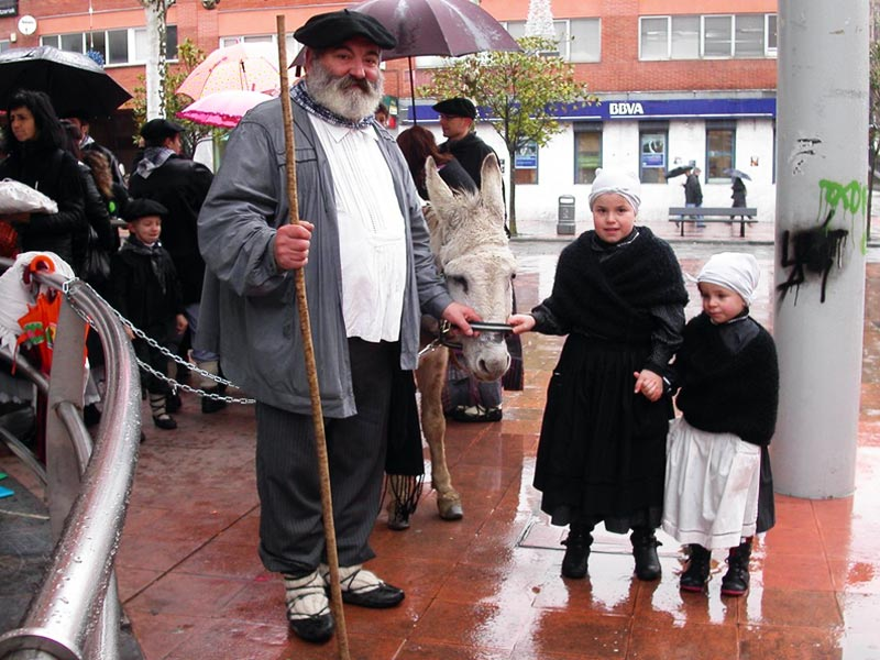 Дед Мороз в Испании: у басков его зовут Олентцеро