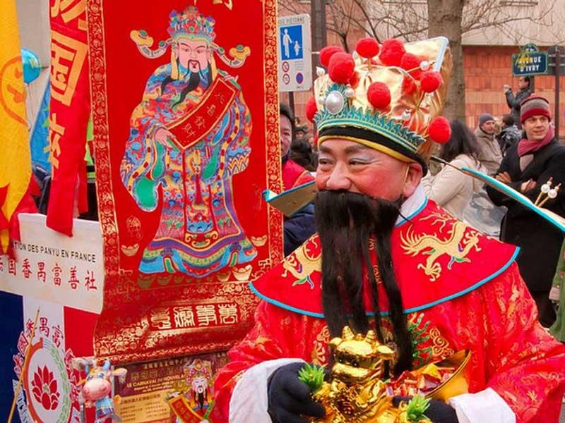 Дед Мороз в Китае: у басков его зовут Олентцеро