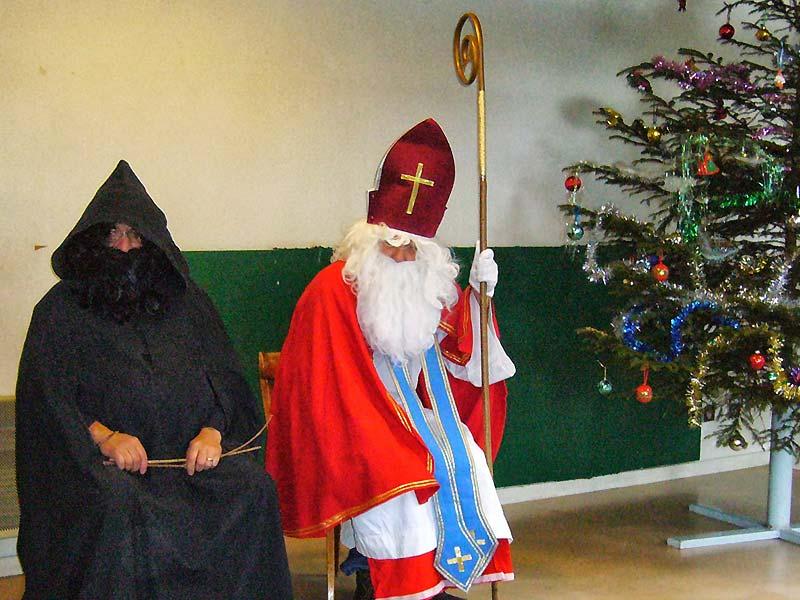 Французский Дед Мороз: предшественник Пер-Ноэля и Пер-Фуэтар