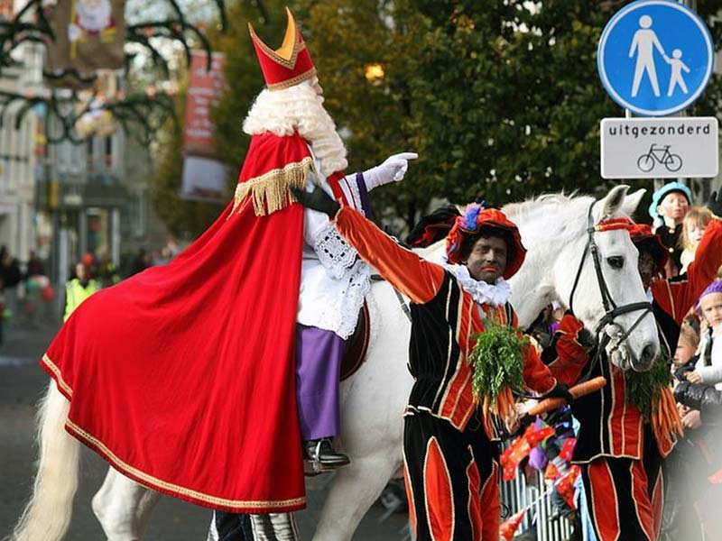 Дед Мороз в Голландии и Бельгии: Синтаклаас ездит на белоснежном коне