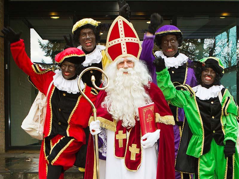 Дед Мороз в Голландии и Бельгии: Синтаклаас в окружении своих помощников – Черных Питов