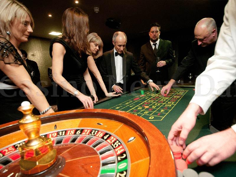 Картинки по запросу Почему люди играют в казино?