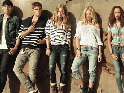 Приобретение брендовой одежды по доступным ценам f06bc90281a